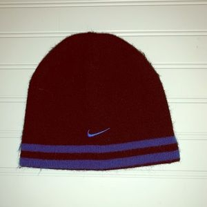 Nike youth black knit winter hat